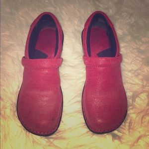 Red Born Clogs